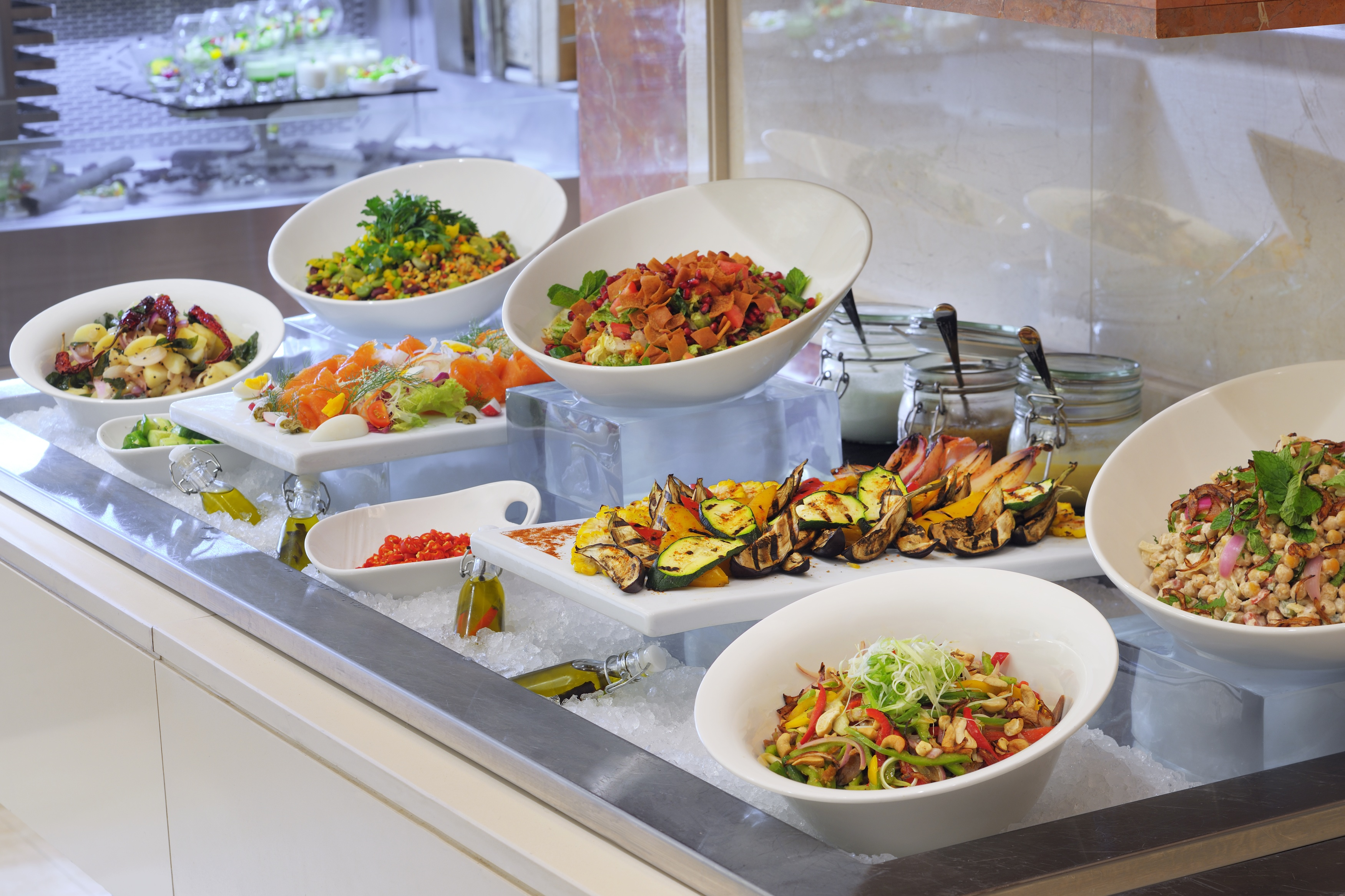 nosh at Mövenpick Hotel Jumeirah Lakes Towers boosts healthy selection for the New Year.