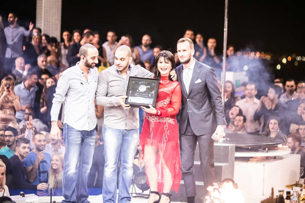"WHITE DUBAI RECEIVES ""THE WORLD'S FINEST CLUBS"" AWARD"